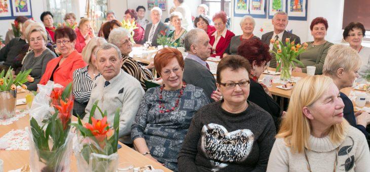 Dzień Kobiet w Ośrodku Integracji Seniorów i Młodzieży